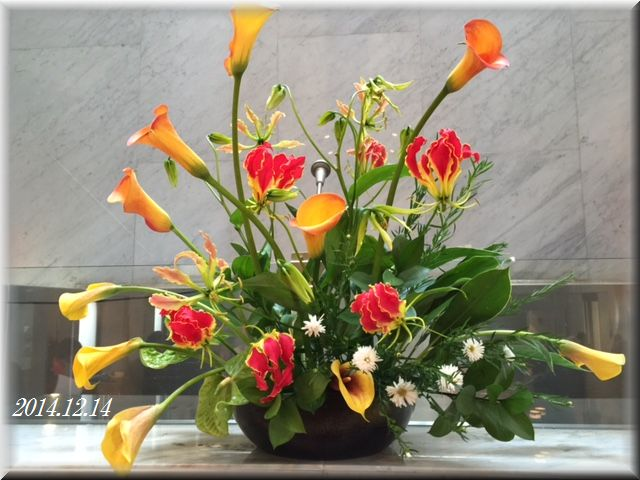 講壇の花2014年12月14日(献花)